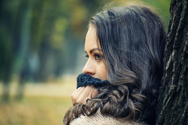 Jak zapuścić długie, zadbane włosy?